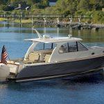 Hinckley Sport Boat 40x_At Rest