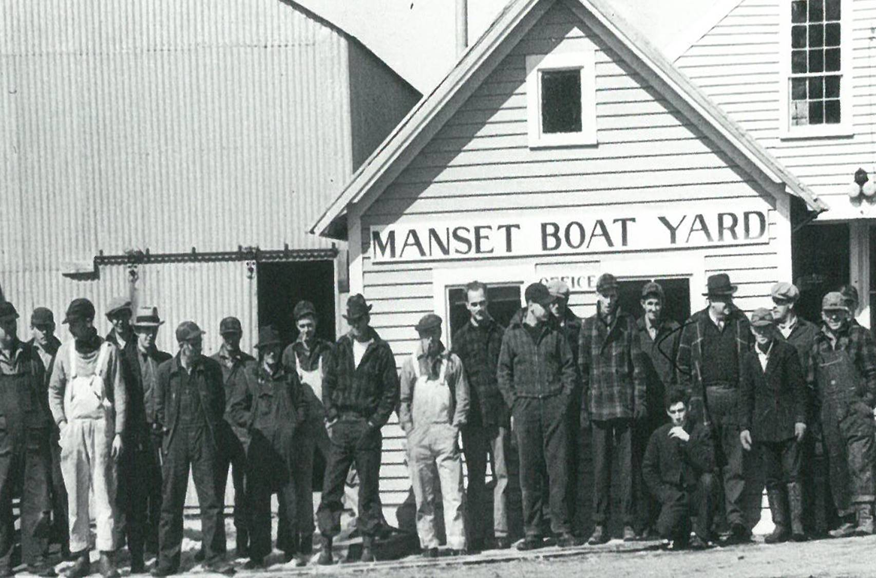 93 Coast Guard picket boats. Employees in 1941.